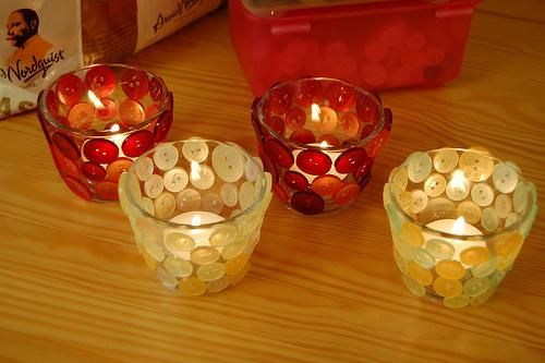 buttoned candle DIY